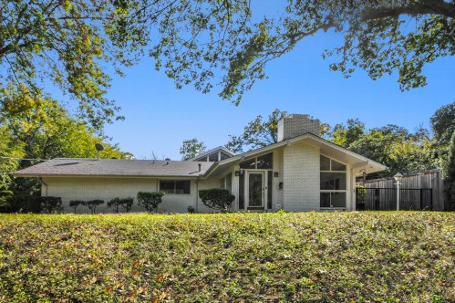 1619 Rio Vista is great mid-century modern home with skyline views.