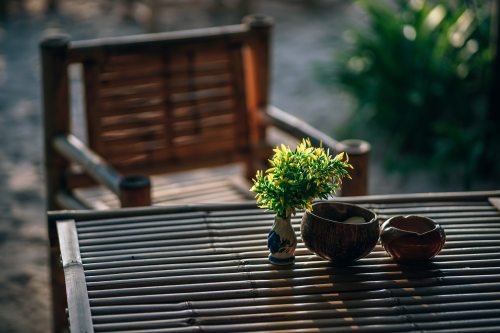 ashtray-backyard-blurred-background-1424464